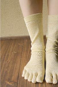 純国産絹五本指靴下使用例